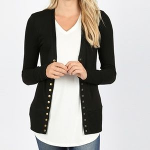 Sweaters - Button Front Cardigan in BLACK